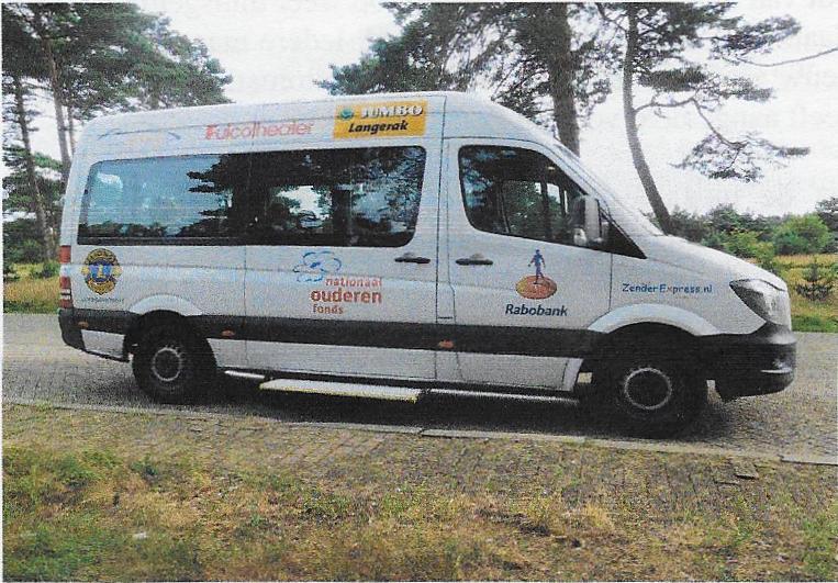 Deze afbeelding heeft een leeg alt-attribuut; de bestandsnaam is Zender-Express-bus.jpg